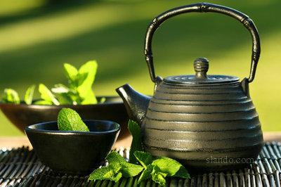 Чай отлично спасает от жары