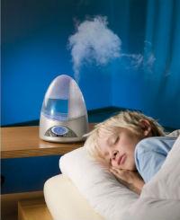 Паровой увлажнитель воздуха в спальне