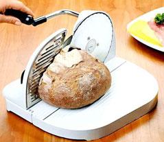 Использование домашней хлеборезки