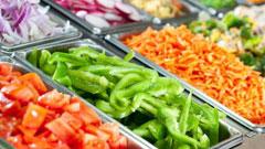 Нарезанные с помощью овощерезки Moulinex овощи